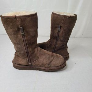 Ugg Girl's Classic Boot w/ Side Zip - Brown